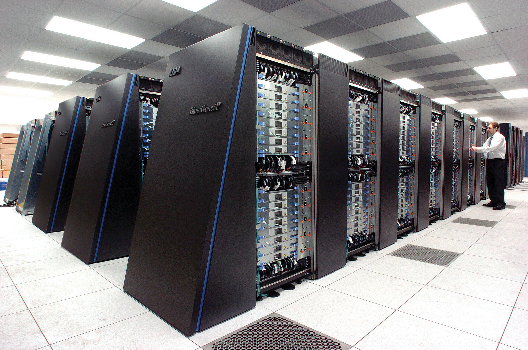 8D0E1ED2 9C4D 33CF 7CF137B7A75452DE source - What To Look For In Data Center Server Racks
